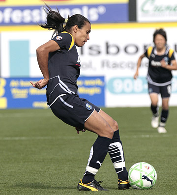 Mart played three seasons in WPS, with the LA Sol, Bay Area Pride and Western New York Flash